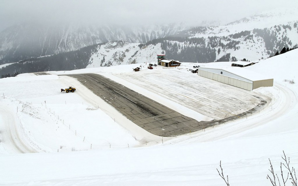 Extreme Airports:Courchevel Airport, France