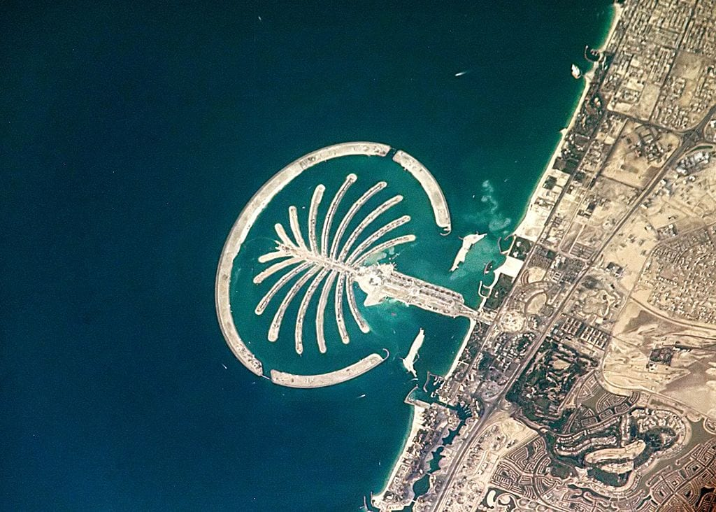 10 Most Awesome Artificial Islands: Palm Island in Dubai