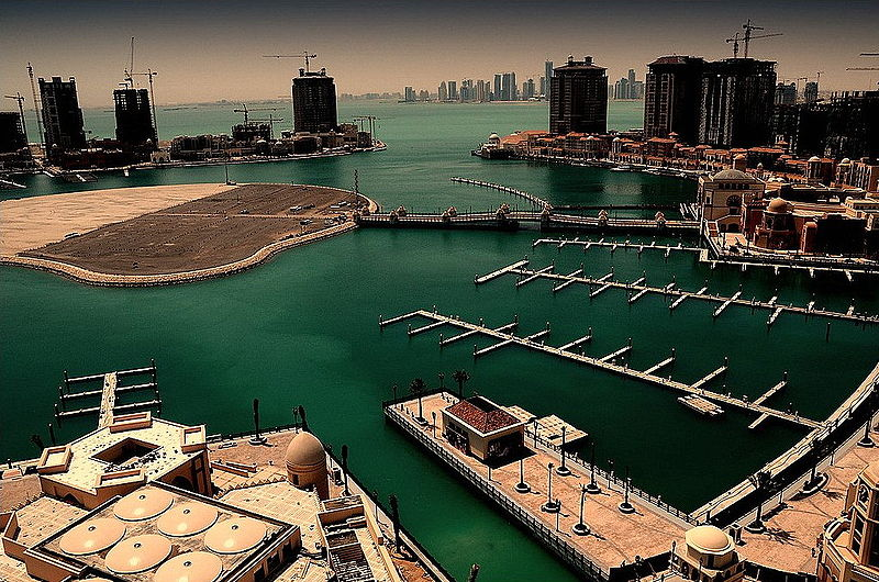 10 Most Awesome Artificial Islands: The Pearl in Qatar