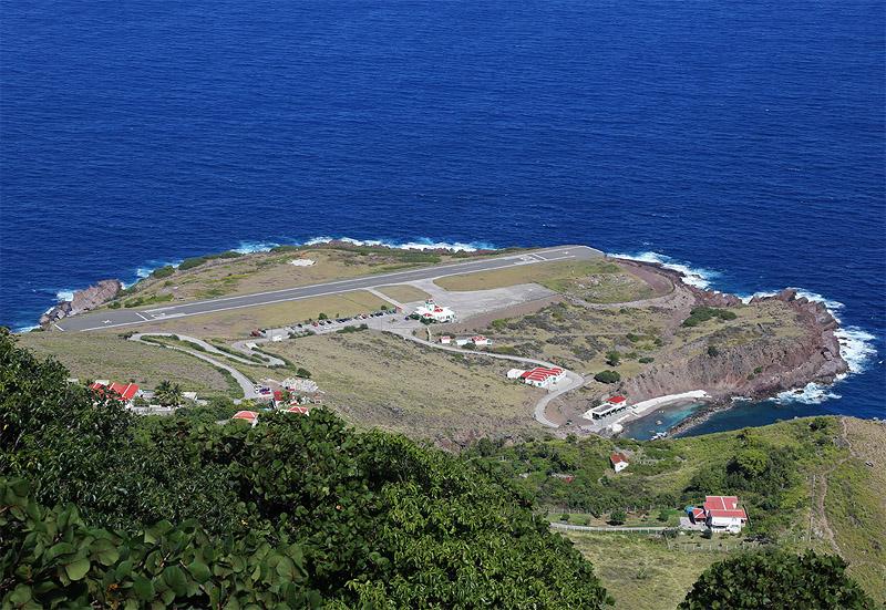 Most Extreme Airports: Juancho E. Yrausquin Airport, Saba Island