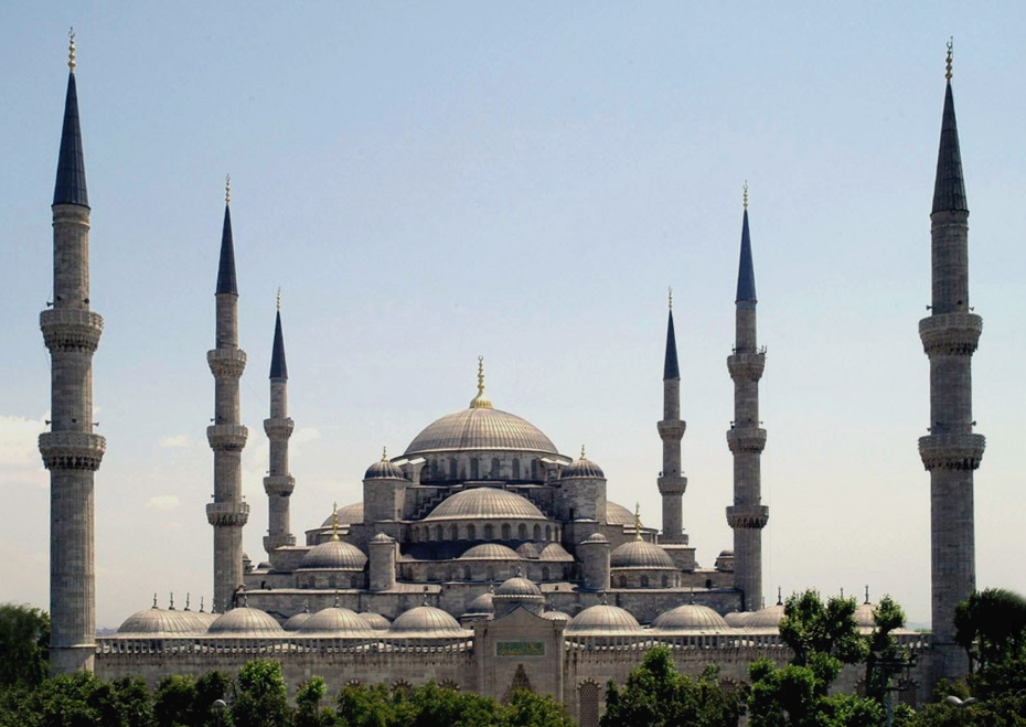 Sultan Ahmed Mosque, or the Blue Mosque - a famous attraction in Istanbul