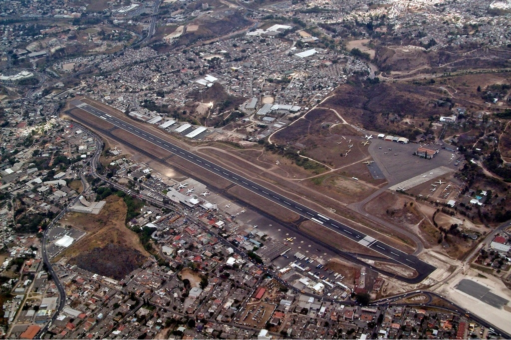 Most Extreme Airports: Toncontín International Airport, Honduras