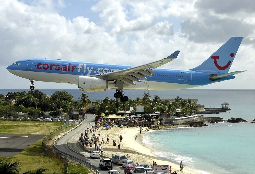 Extreme Airports: princess Juliana Airport