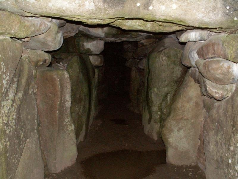 Oldest Buildings In The World: West Kennet Long Barrow, England (source: wiki)