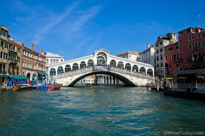 Most Famous Bridges In The World: Rialto Bridge, Venice, Italy