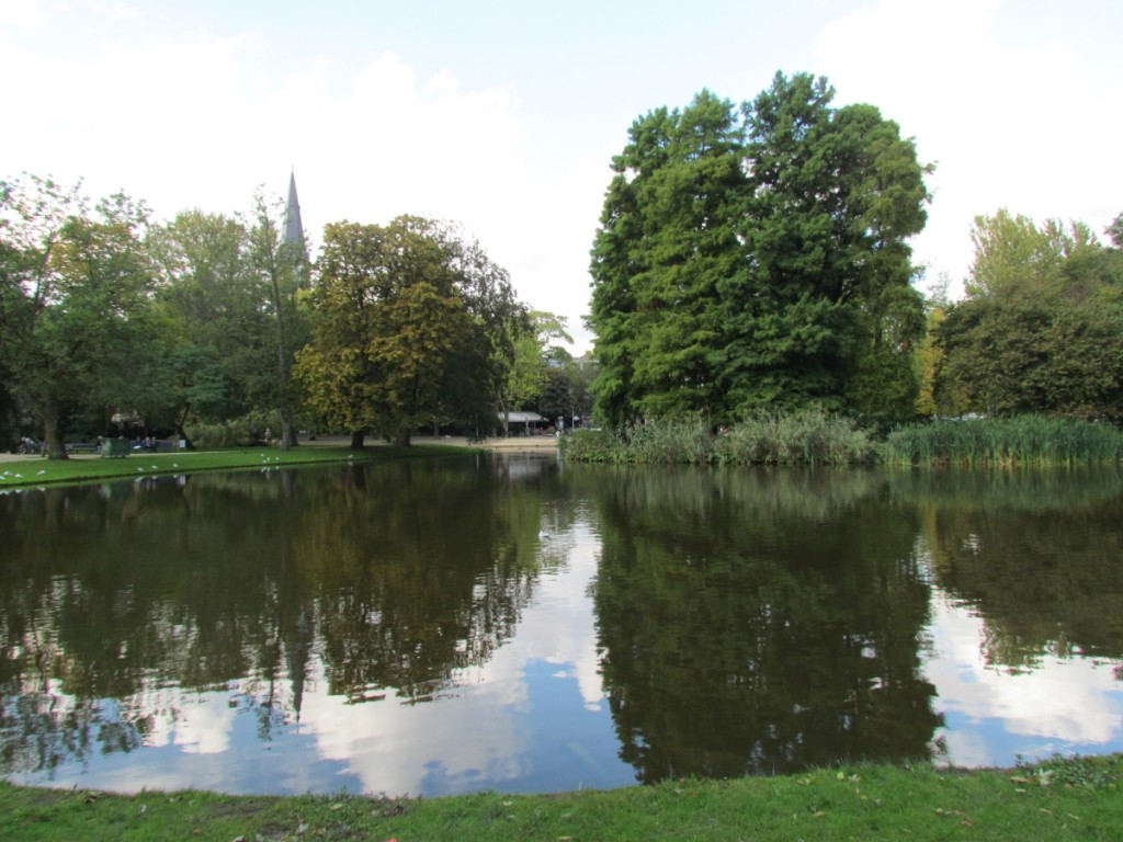 Best Attractions In Amsterdam: Vondelpark