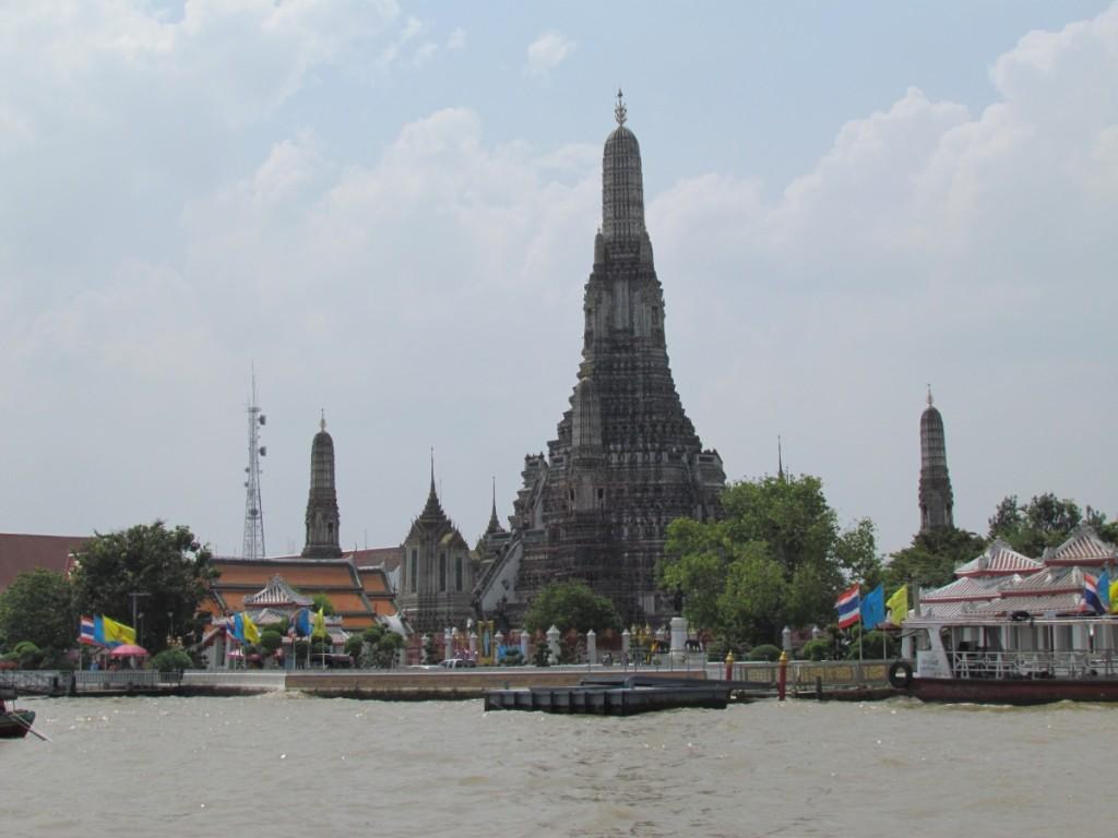 Best Attractions In Bangkok: Wat Arun