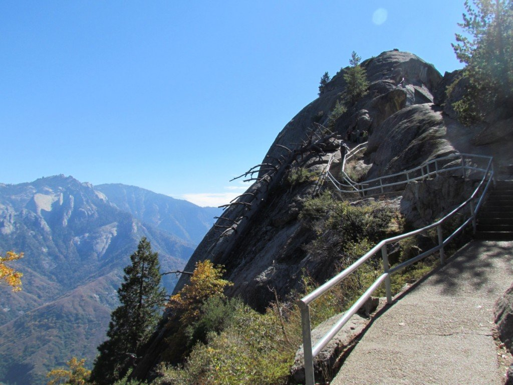 Best Attractions In California: Moro Rock at Giant Sequoia National Park