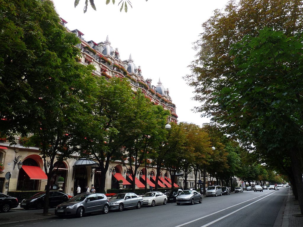 Best Shopping Streets In The World: Avenue Montaigne, Paris