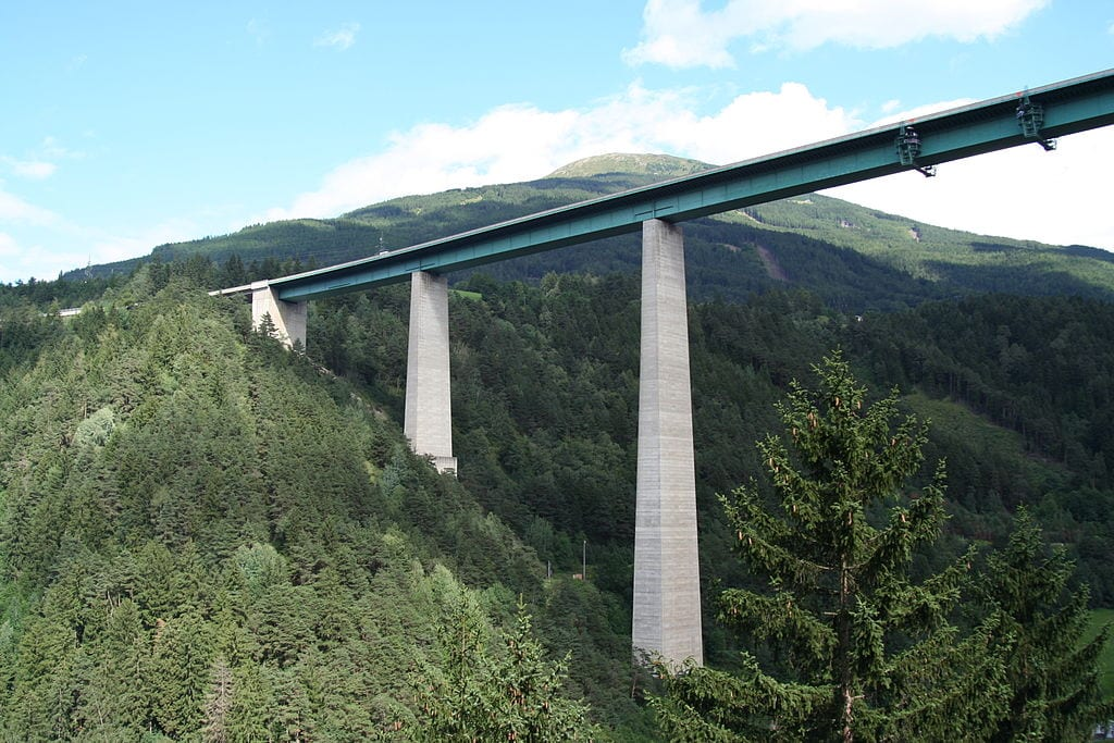 Highest Bungee Jumps: Europabrücke Bridge, Innsbruck, Austria