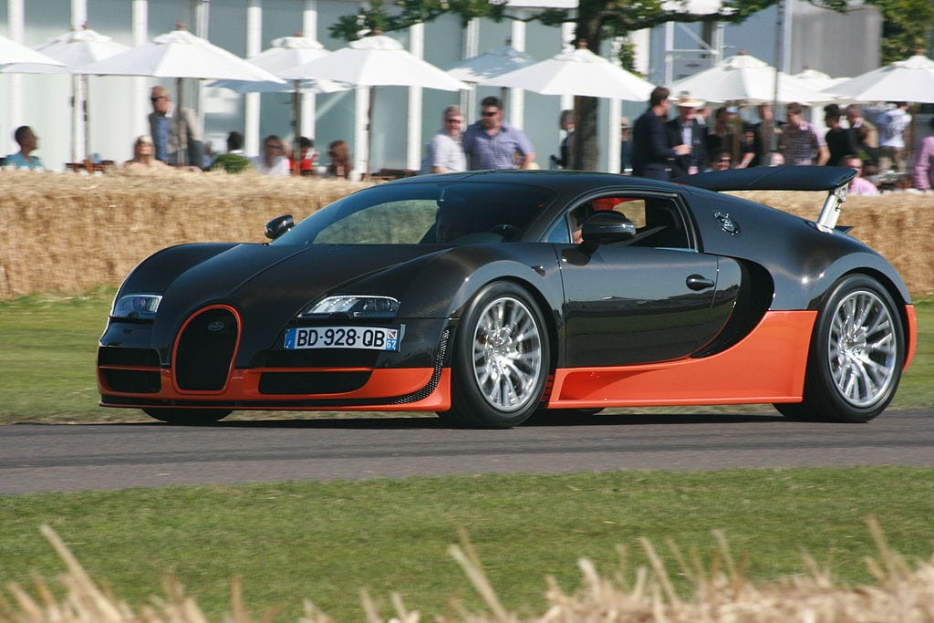 Fastest Accelerating Cars:Bugatti Veyron Supersport