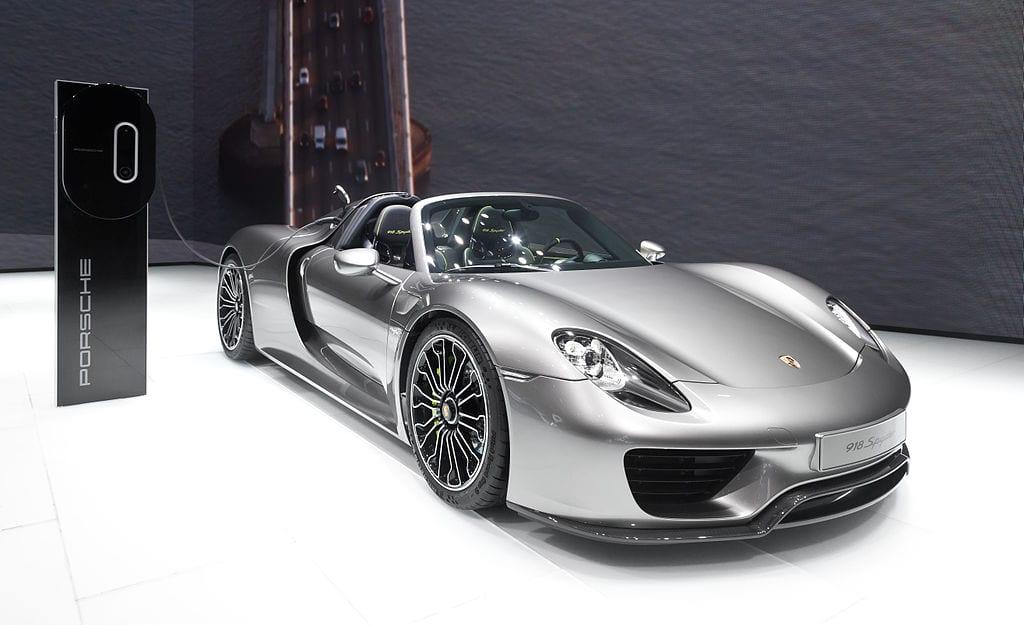 Fastest Accelerating Cars: Porsche 918 Spyder