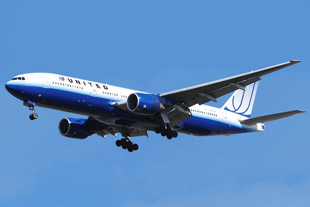 Longest Flights You Can Take: United Airlines Boeing 777