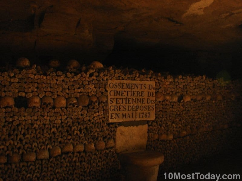 Creepiest Places In The World: Catacombs of Paris