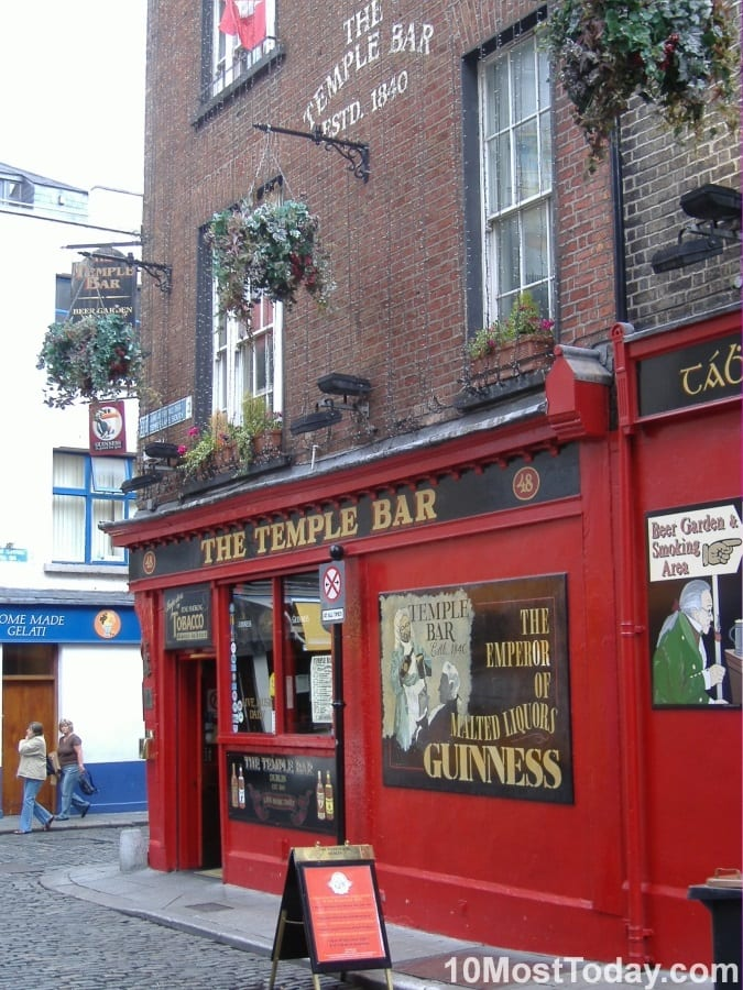Best Attractions In Dublin: Temple Bar