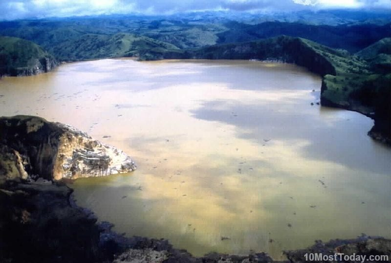 Most Unique Lakes In The World: Lake Nyos, Cameroon
