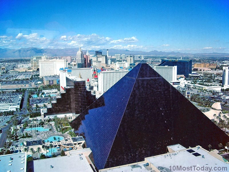 Most Notable Pyramids In The World:  Luxor Hotel, Las Vegas, United States