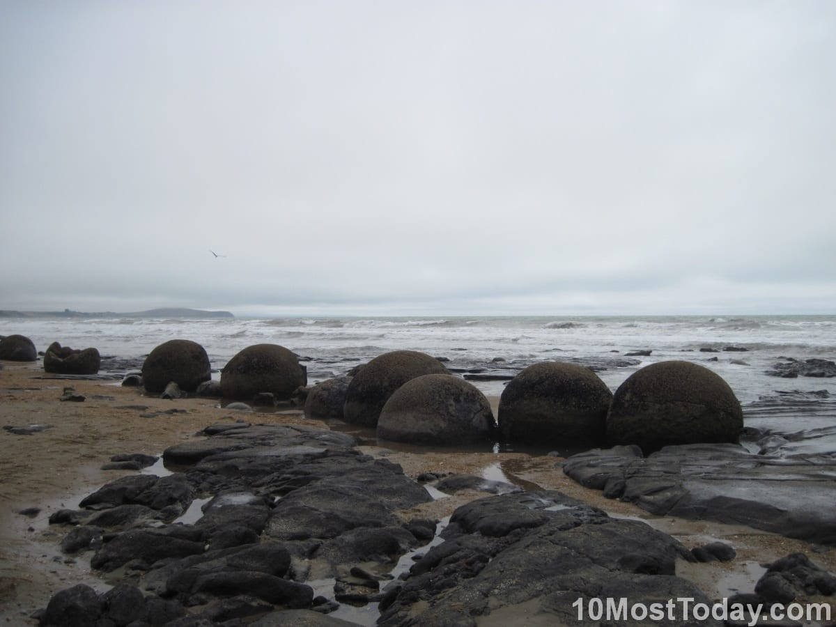 Most Unique Local Phenomenons: Moeraki Boulders, New Zealand