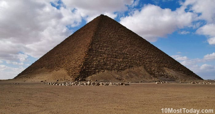 Most Notable Pyramids In The World: Red Pyramid (North Pyramid), Egypt