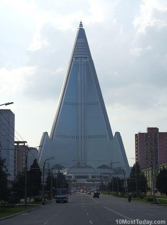 Most Notable Pyramids In The World: Ryugyong Hotel, Pyongyang, North Korea