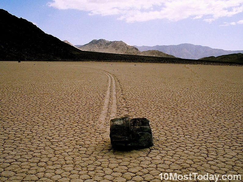 10 Best Attractions In California: The Sailing stones in Death Valley National Park