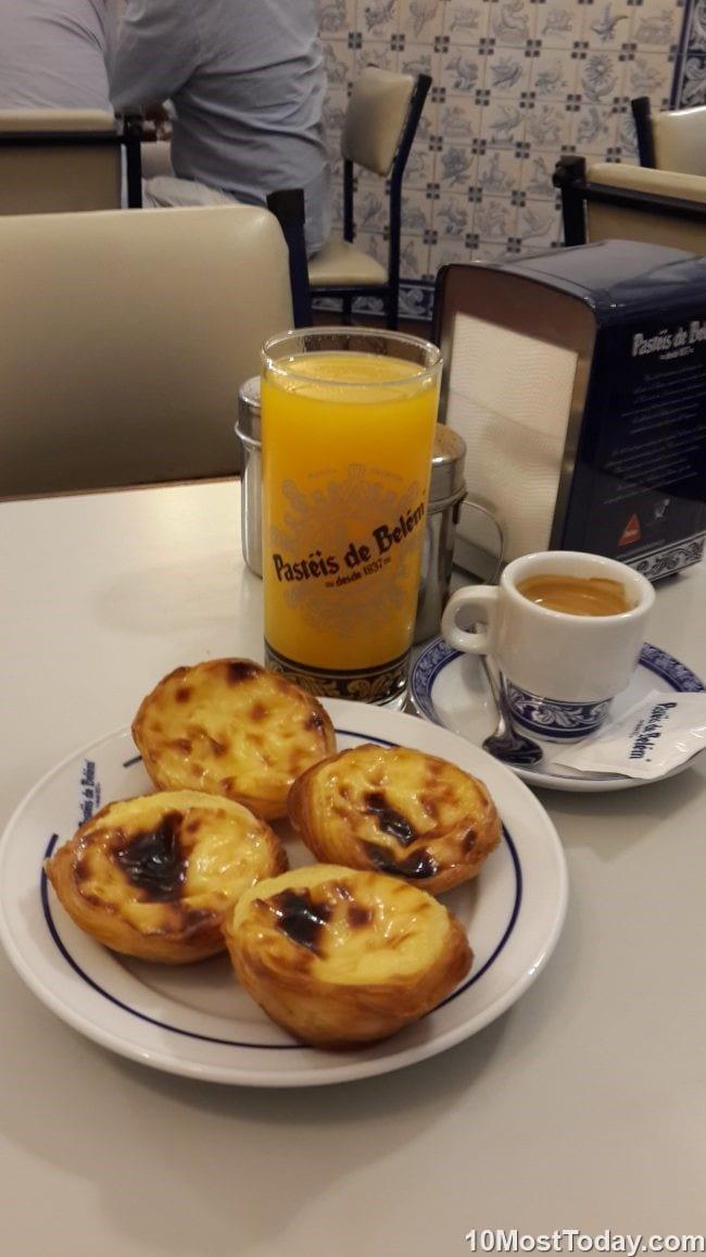 Best attractions in Lisbon: Pastel de nata at Pastéis de Belém