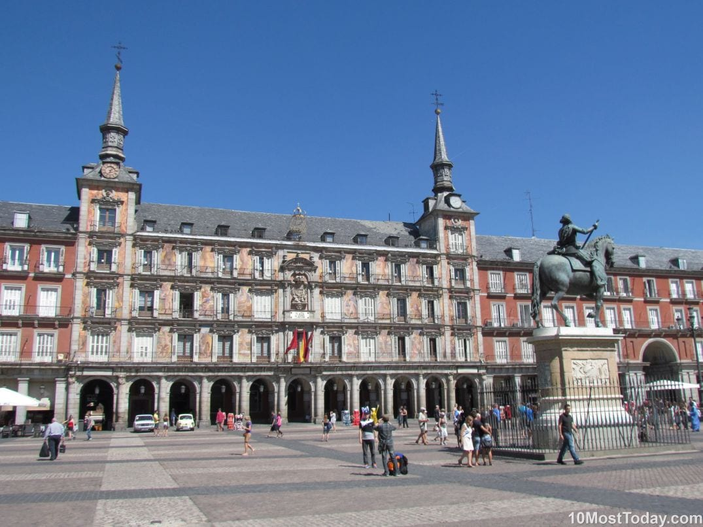 Best Attractions In Madrid: Plaza Mayor