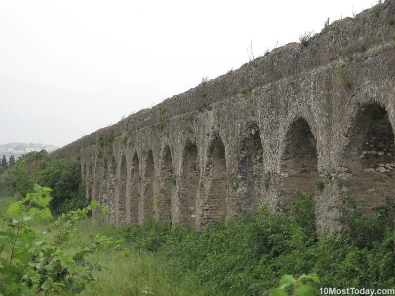 Most Beautiful Roman Aqueducts: Minturno aqueduct