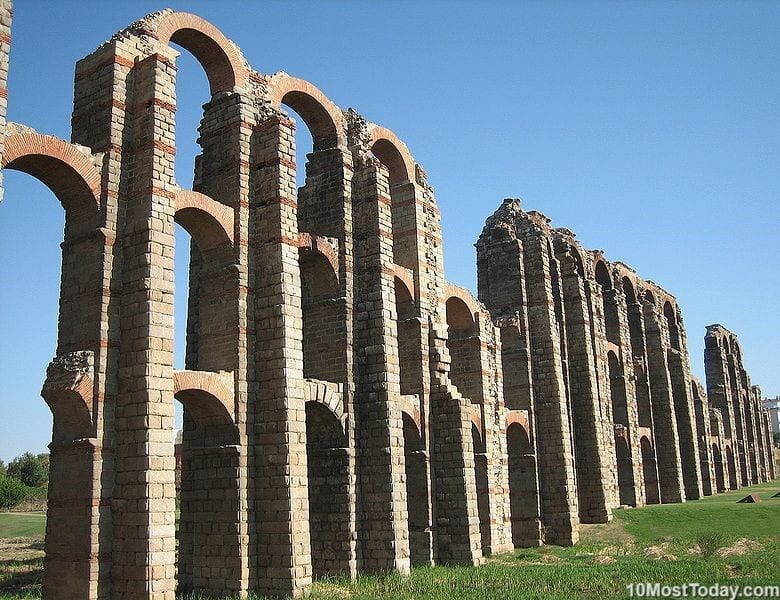 Most Beautiful Roman Aqueducts: Miraculous Aqueduct