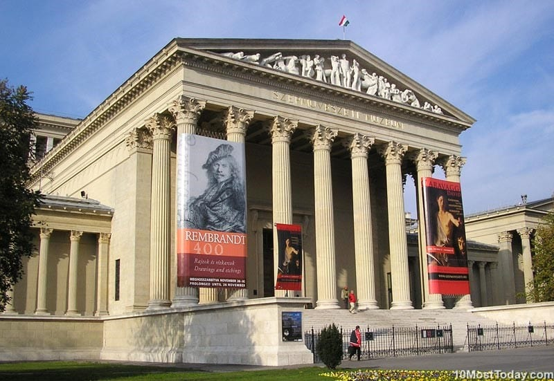 Best Attractions In Budapest: Museum of Fine Arts
