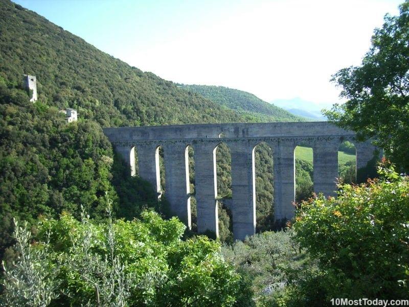 Ponte delle Torri aqueduct, Spoleto, Italy