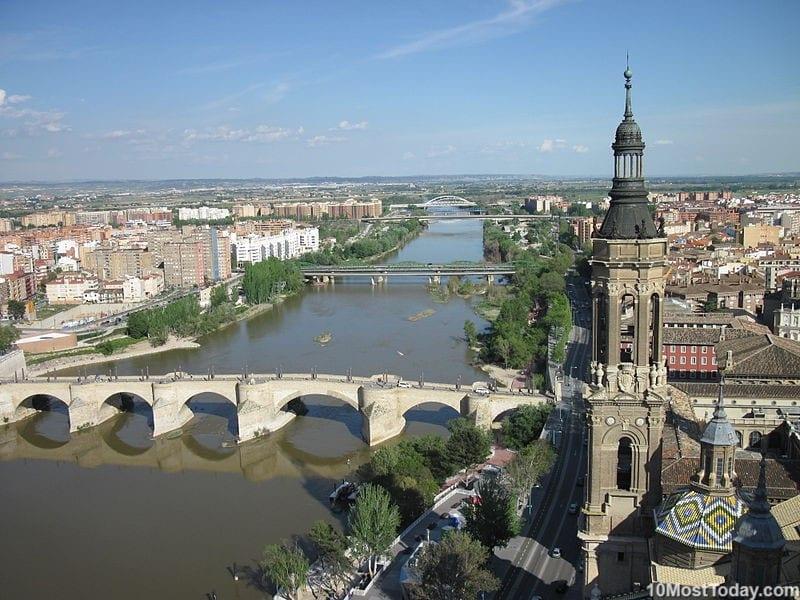 Most Beautiful Stone Bridges In The World: Puente de Piedra, Zaragoza, Spain