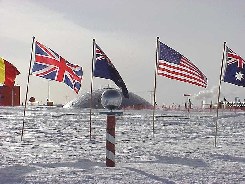 Awesome Geographical Extreme Points: The geographic South Pole