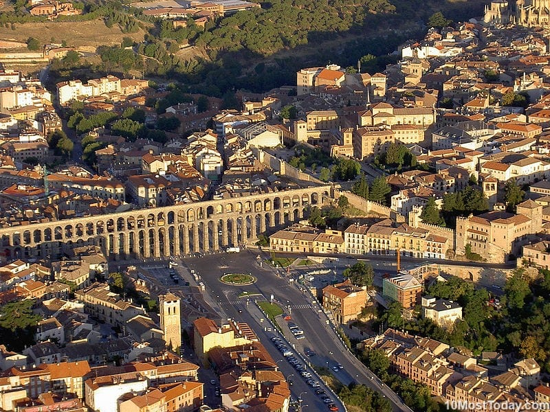 Most Beautiful Roman Aqueducts: Aqueduct of Segovia