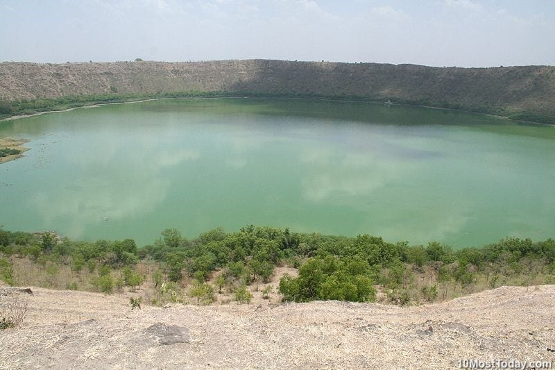 10 Most Incredible Impact Craters: Lonar Crater