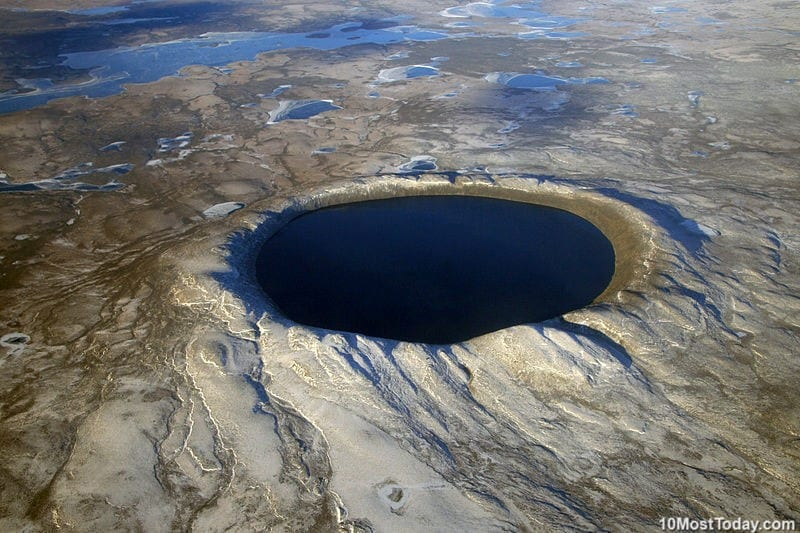 10 Most Incredible Impact Craters: Pingualuit Crater