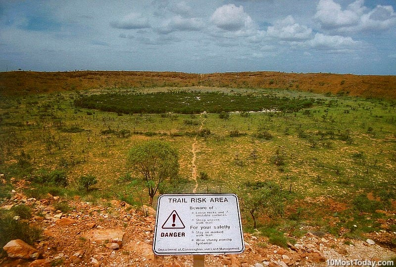 10 Most Incredible Impact Craters: Wolfe Creek Crater