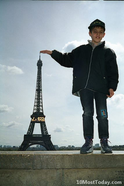 Forced perspective photos with the Eiffel Tower, Paris