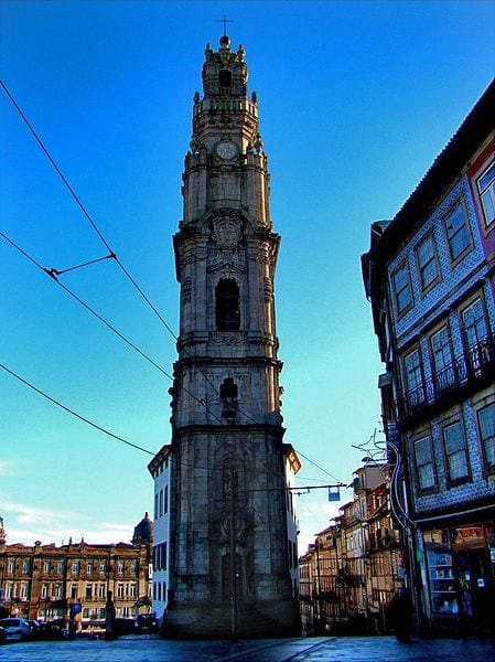 Best Attractions In Porto: Torre dos Clérigos