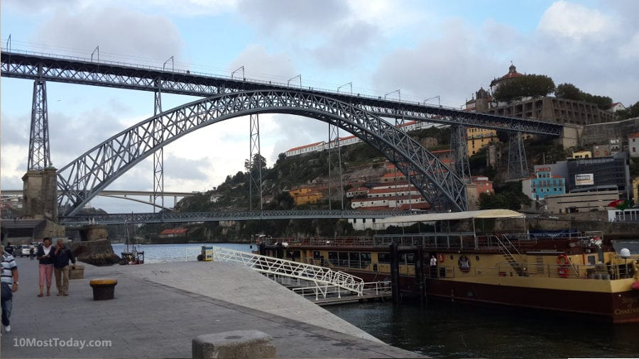 Best Attractions In Porto: Dom Luís bridge