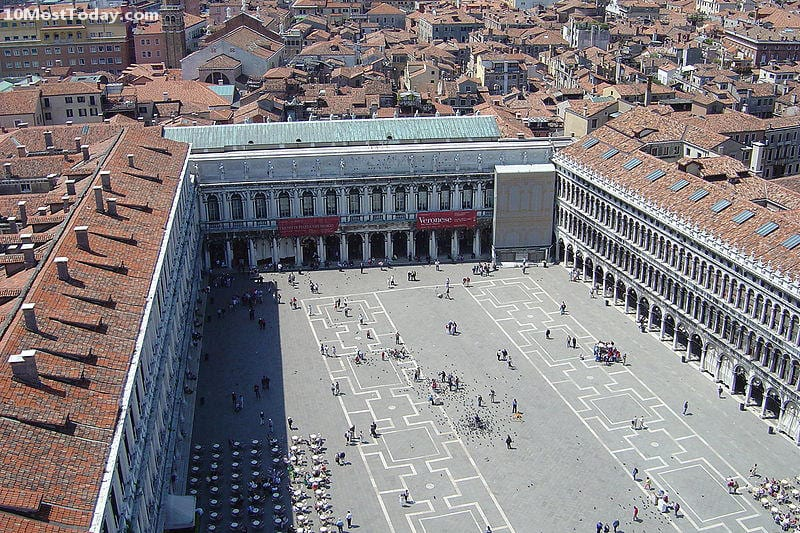 The other side of Piazza San Marco