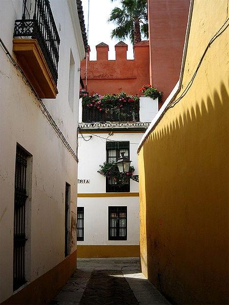 A typical street in Barrio Santa Cruz