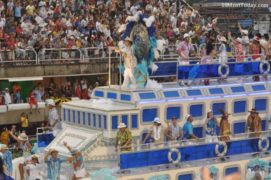 Annual World Festivals Worth The Trip: Rio Carnival
