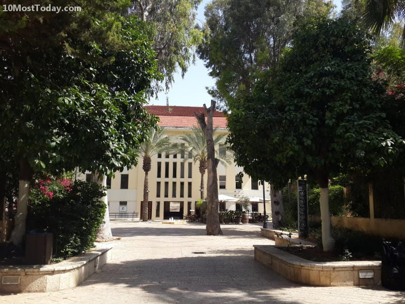 Best Attractions In Tel Aviv: Suzanne Dellal Center in Neve Tzedek