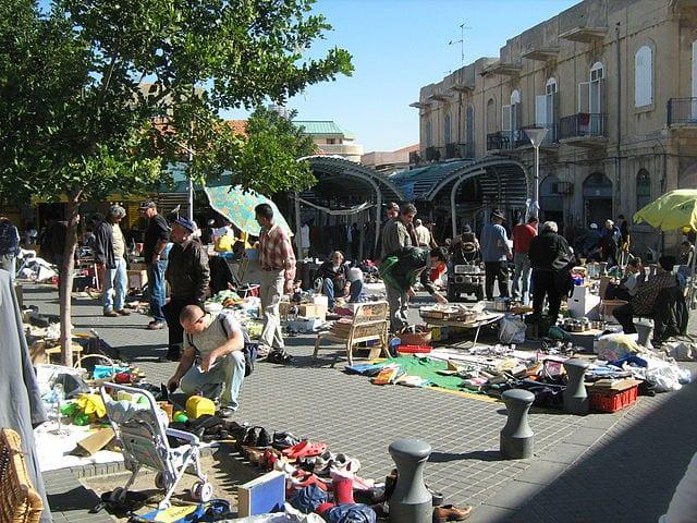 Best Attractions In Tel Aviv: the flea market (Pishpeshim market) in Old Jaffa