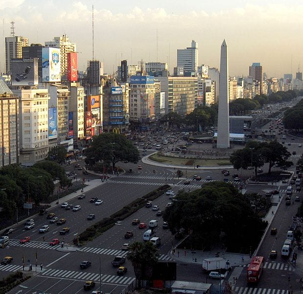 Best Attractions In Buenos Aires: 9 de Julio Avenue