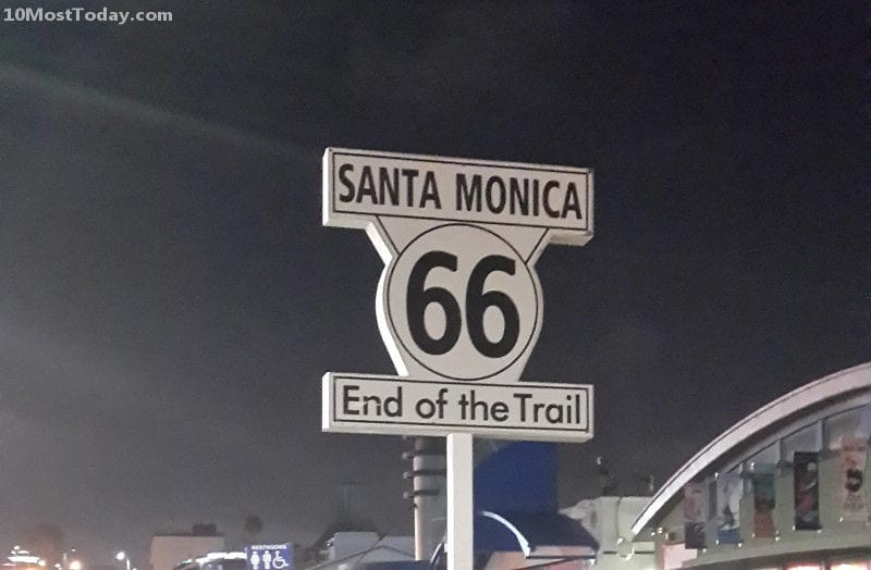 The famous route 66 sign at the end of the pier