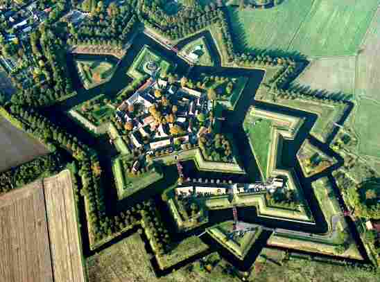 Most Amazing Moats In The World: Fort Bourtange