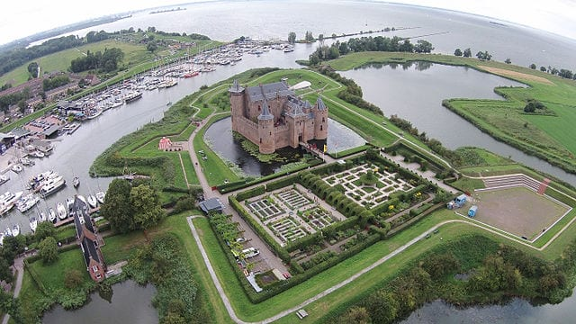 Most Amazing Moats In The World: Muiderslot Castle