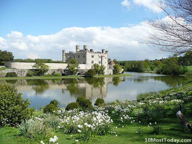 Most Amazing Moats In The World: Leeds Castle